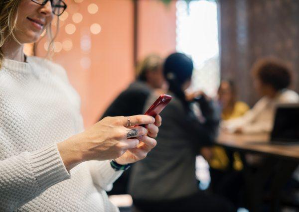 social media, digital marketing, social media savvy, dating apps, online dating, relationships